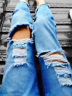 There is NO WAY I am going to stop pinning ripped jeans until I get a good pair like these. or 15 :')