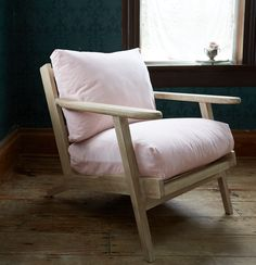 Trend Alert: The Perfectly Pink Chair. Furniture Near Me, Porch Furniture, French Furniture, Bedroom Furniture, Shabby Chic Chairs, Shabby Chic Bedrooms, Shabby Chic Furniture, Shabby Chic Couture, Shabby Chic Style