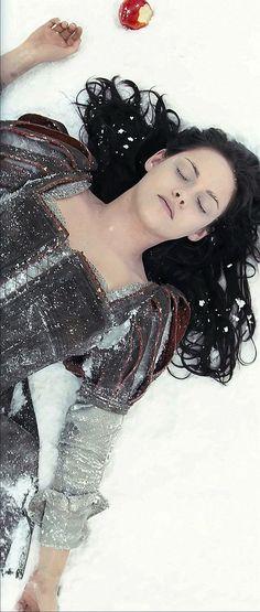 Kristen Stewart in Snow White and the Huntsman (2012)