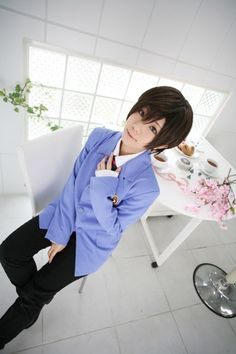 ouran high school host club - haruhi fujioka cosplay of AWESOMENESS. This girl has it perfect :D