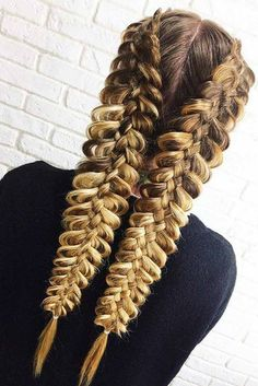 Do you like braided hairstyles but think that your hair is too thick or too thin for them? See our selection of braids ideal for all hair types