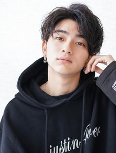 Kpop Hairstyle Male, Korean Boy Hairstyle, Korean Hairstyles Women, Korean Haircut, Asian Hairstyles, Men Hairstyles, Asian Boy Haircuts, Male Haircuts Curly, Cute Haircuts