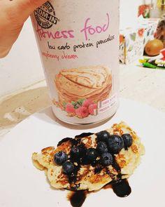 Chutný dezert 🍰 od @promin.sk môžeš mať aj ty 👉 . Viac na www.alfa-gym.sk Gym, Breakfast, Ethnic Recipes, Fitness, Food, Morning Coffee, Meal, Essen, Hoods