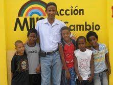 Publicada el 13 de mayo de 2010 Revista El Cañero: Dr. Dunker de MIUCA sigue trabajando por votos