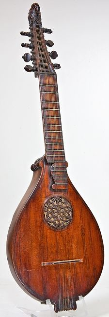 NMM 13500.  Cittern, possibly by Petrus Rautta, England, 1579.