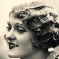 only the most scandalous women in the 1920s wore their hair like this.