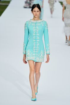 Ralph & Russo Fall 2019 Couture Fashion Show - Vogue Ralph & Russo, Fashion Week, Runway Fashion, High Fashion, Style Haute Couture, Couture Week, Collection Couture, Fashion Show Collection, Style Année 60