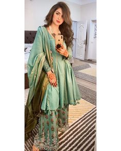 Indian Fashion Dresses, Pakistani Fashion Casual, Pakistani Dresses Casual, Frock Fashion, Indian Gowns Dresses, Dress Indian Style, Pakistani Dress Design, Indian Outfits, Stylish Dress Designs