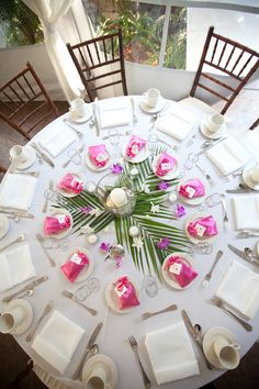 Round Table Wedding Decor Elegant Tropical Tablescape with Simple yet Fun Center. Round Table Wedding Decor Elegant Tropical Tablescape with Simple yet Fun Centerpieces. Simple Table Decorations, Wedding Flower Decorations, Round Table Centerpieces, Simple Centerpieces, Centerpiece Decorations, Table Arrangements, Round Wedding Tables, Table Wedding, Wedding Ideas