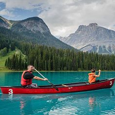 Paddle a kayak or SUP across Colorado's largest natural lake, which affords wide-open panoramas of the surrounding peaks. - Grand Lake - Top Rocky Mountain National Park Attractions - Suns