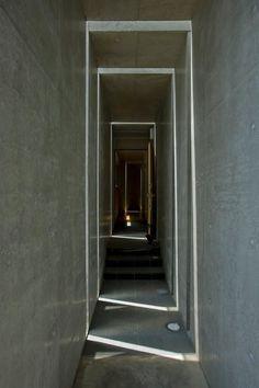 Slit House - EASTERN design office