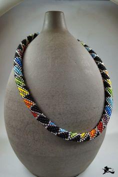 rainbow colored bead crochet - Perlenspiegel: Schema - Another! Bead Crochet Patterns, Bead Crochet Rope, Beading Patterns, Crochet Beaded Bracelets, Beaded Necklace, Necklaces, Beaded Jewelry Designs, Handmade Jewelry, Schmuck Design