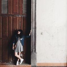 """la_mayte: """"Diana mi adorada Diana. Hace dos años ya que inicié mis aventuras por @instagram yo le llamaba mi """"Diario visual"""" porque mi registro de memoria lo fui depositando en imágenes que me harían recordar cosas que mi mente de repente quería olvidar.  Casi al principio me topé con una cuenta que no sabía me iba a marcar por siempre era la de ella la de esa chica guapa y sonriente con la sensibilidad a flor de piel y el orgullo mexicano hasta el tope. Dije seguro es de Oaxaca! Por esas…"""