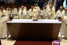 Missa dos Santos Óleos e Renovação das Promessas Sacerdotais na Catedral Metropolitana
