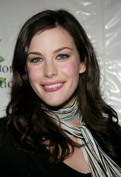 Liv Tyler's hairstyle