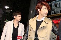 [PRESS] #22112012 – 2PM VISITS TOWER RECORDS SHIBUYA STORE JAPAN ⓒHOT-KOREA http://hot-korea.com