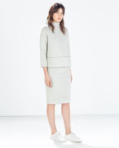 ZARA - MUJER - FALDA TUBO.   All grey. Matching set. White sneakers.