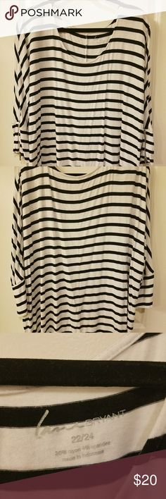 Lane Bryant Dolman Top EUC 3/4 sleeve with boatneck top and zippers at the end of the sleeves. I got a lot of wear out of this top and its has plenty more wear in it. Lane Bryant Tops