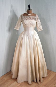 Timeless Vixen Vintage if I wear lace it would be close to this. No long sleeves though Vintage Gowns, Vintage Bridal, Vintage Outfits, Vintage Weddings, Vintage Clothing, Beautiful Gowns, Beautiful Outfits, Beautiful Clothes, Beautiful Things
