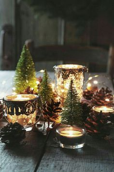 Here are the best DIY Christmas Centerpieces ideas perfect for your Christmas & holiday season home decor. From Christmas Vignettes to Table Centerpieces. Noel Christmas, Country Christmas, All Things Christmas, Winter Christmas, Christmas Crafts, Xmas, Magical Christmas, Christmas Tablescapes, Christmas Table Decorations