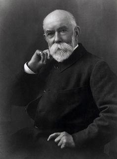 1856 | A marca foi fundada pelo costureiro de 21 anos de idade Thomas Burberry.