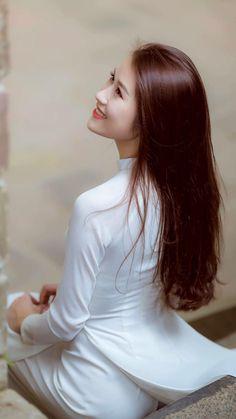 "coolvietnamlove: ""Beautiful Viêtnamese Girl in Vietnamese long dress: Ao-Dai Viêtnamese"""