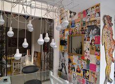 Colagens e Pop Art inspiram décor de apê moderno