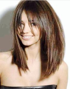 women nowadays love to wear long bob. get some long bob haircut with layers. Lob Hairstyle, Pretty Hairstyles, Hairstyles 2016, Long Bob Hairstyles For Thick Hair, 1940s Hairstyles, Summer Hairstyles, Round Face Haircuts Long, Model Hairstyles, Women Haircuts Long