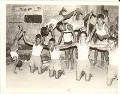 קייטנת ילדי האיזור - הופעת בנים פירמידה 10