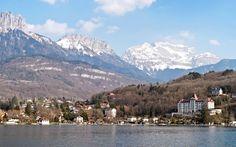 Mountains around the lake