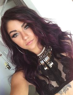 Hair Dark Purple Haarfarbe Ideen - Mode ist mein Crush Clocks For Your Home And Dark Purple Hair Color, Red Ombre Hair, Cool Hair Color, Pink Hair, Brown Hair With Purple, Hair Colors, Black Hair, Brown Hair With Highlights, Gold Hair