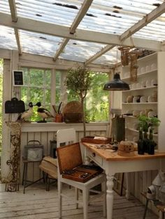 Great greenhouse/garden potting shed interior.This is the perfect shed. Backyard Greenhouse, Backyard Studio, Pergola Patio, Greenhouse Ideas, Cheap Greenhouse, Patio Table, Pergola Kits, Pergola Ideas, Pallet Greenhouse
