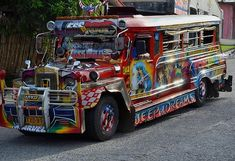 If you're lucky, you get family names, the Blessed Virgin, and a pinup girl on the same jeepney Philippines Photography Få adgang til vores hjemmeside Meget mere information https://storelatina.com/philippines/travelling #Filipinet #Филиппины #detoxify #Filippiinit