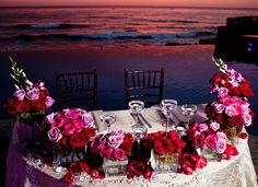 The newlyweds table #weddingdecoration #Mexico #sunset #beach #wedding #Rosarito #inspiration #flowers #LiveItToBelieveIt