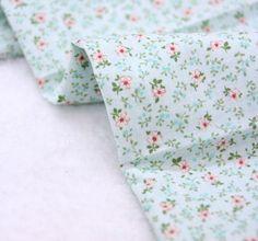 """Tissu coton fleurs de Charlotte (43 x 36"""") la verge 37124 par landofoh sur Etsy https://www.etsy.com/fr/listing/152287106/tissu-coton-fleurs-de-charlotte-43-x-36"""