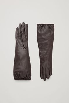 A timeless style, these gloves are made from smooth, buttery leather with a warm cotton jersey lining and they are finished with gathered edges for added comfort. Leather Gloves, Leather Pants, Chocolate Factory, Small Leather Goods, Minimal Chic, Fall Looks, Beret, Timeless Fashion, Wool Blend