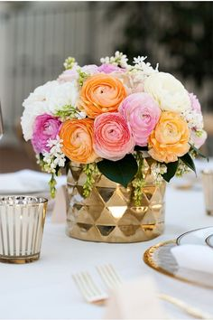 floral arrangement obsession McCune Photography / Peach and Gold Wedding Ideas Floral Centerpieces, Wedding Centerpieces, Wedding Table, Floral Arrangements, Wedding Decorations, Centerpiece Ideas, Flower Arrangement, Ranunculus Centerpiece, Wedding Arrangements