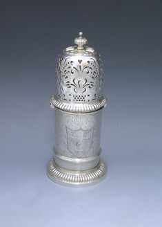 "A William & Mary Antique Silver ""lighthouse"" Caster by RALPH LEEKE - William Walter Antique Silver. Year 1695. £ 6,800.00"