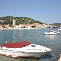 Mit dem #Boot an der Küste von #Kroatien #globetrotter #croatia #travel #vacations #Mittelmeer #Segelurlaub