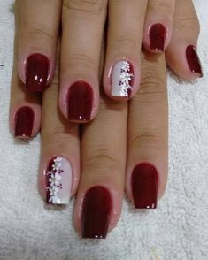 Image may contain: one or more people and closeup Shellac Nail Art, Pedicure Nails, Acrylic Nails, Nail Nail, Color For Nails, Red Nails, Cute Nail Art Designs, Beautiful Nail Designs, Cute Nails