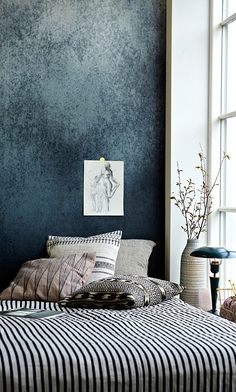 im really loving the dark walls and mixed patterns in the bedroom who - Bedroom Wall Textures