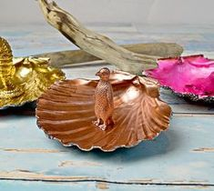DIY Projects For Home Decorating: DIY Gorgeous Scallop Shell Trinket Dishes