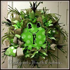 Frog deco mesh wreath by Twentycoats Wreath Creations (2016)