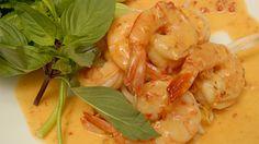 Crevettes épicées au lait de coco et herbes thaïlandaises fraîches de Suzanne Liu | Recettes-de-chefs.ca