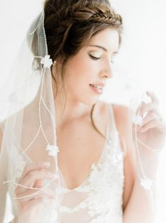 Release your inner ballerina with this gorgeous wedding shoot infused with white and blush. Wedding Headpiece Vintage, Flower Headpiece Wedding, Boho Headpiece, Wedding Veils, Bridal Headpieces, Wedding Shoot, Wedding Blog, Wedding Styles, Destination Wedding