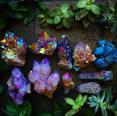 ― Hippie Vibes 🌈🌿🌻🍄🌞🍃🌸☯️🌎✨さん( 「♡ Stop for a moment. Feel how you are part of the universe. When you tune into that state of…」 Minerals And Gemstones, Rocks And Minerals, Crystal Magic, Crystal Healing, Quartz Crystal, Cristal Art, Beautiful Rocks, Rocks And Gems, Healing Stones