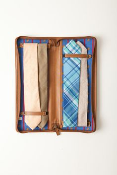 The McMillan Travel Tie Case for Moore and Giles