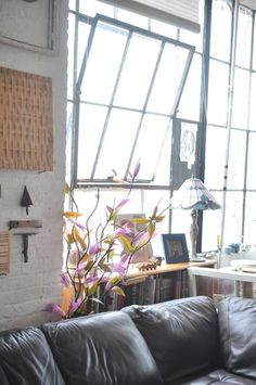 This loft is proof that castaways are what you make of them.  Every nook and cranny is so mindfully-, beautifully-, and lovingly-designed. This house tour is sure to make you smile! :) -- (( Carlos' Custom DIY Loft — House Tour | Apartment Therapy ))