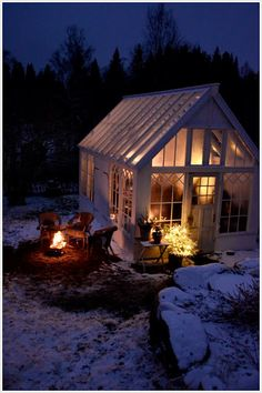 Garden Shed Plans Winter Greenhouse, Best Greenhouse, Greenhouse Effect, Backyard Greenhouse, Greenhouse Growing, Greenhouse Plans, Stardew Valley Greenhouse, Greenhouse Interiors, Garden Structures