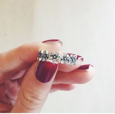 I'd absolutely love to get this ring! ♥️ Roll on a ring promo for the UK :)